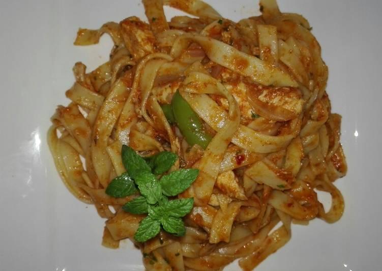 Chicken Fettuccini Alfredo Pasta