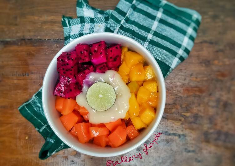 Salad Buah Seadanya