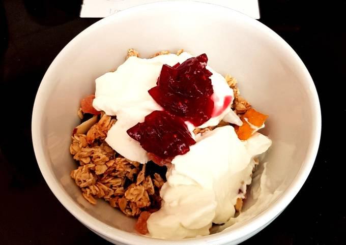 My Granola wth dried Papaya coconut, Mango also Greek yogurt. ????