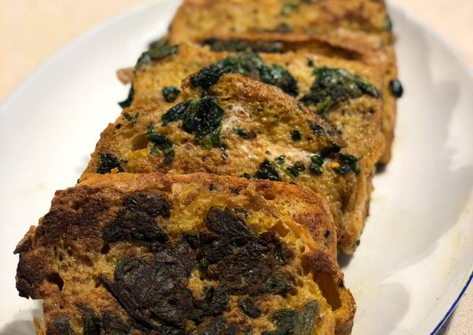 Spicy Spinach Eggy Bread