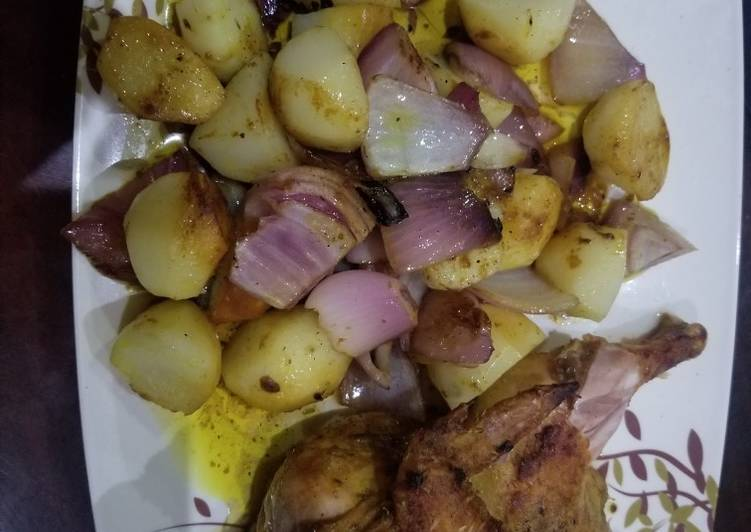 Potato lyonnaise with grilled chicken