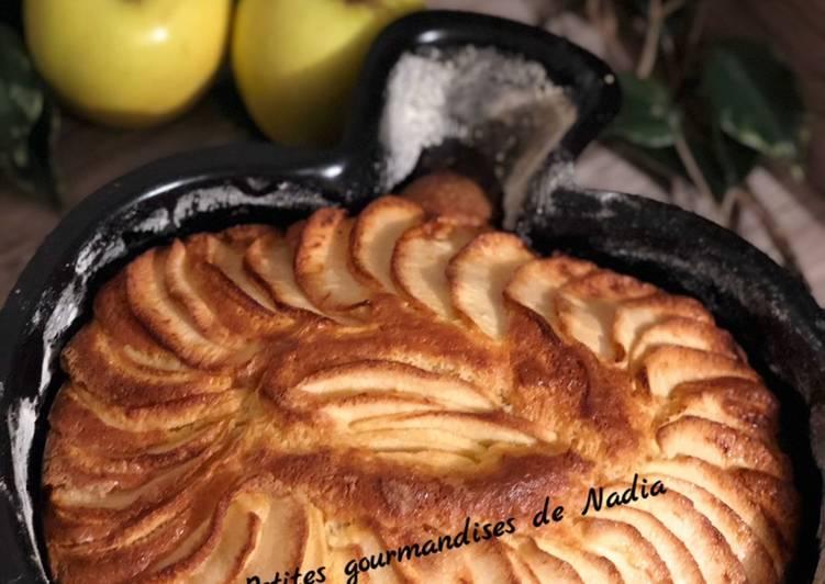 Recette Appétissante Gâteau aux pommes et mascarpone dans un moule original 😊😊😊