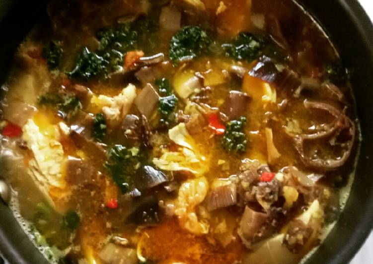 Recipe: Delicious Banana Flower, Kale, and Chicken in Soto Soup