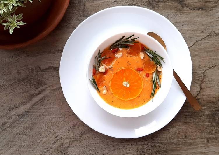 Carrot passion orange smoothie bowl