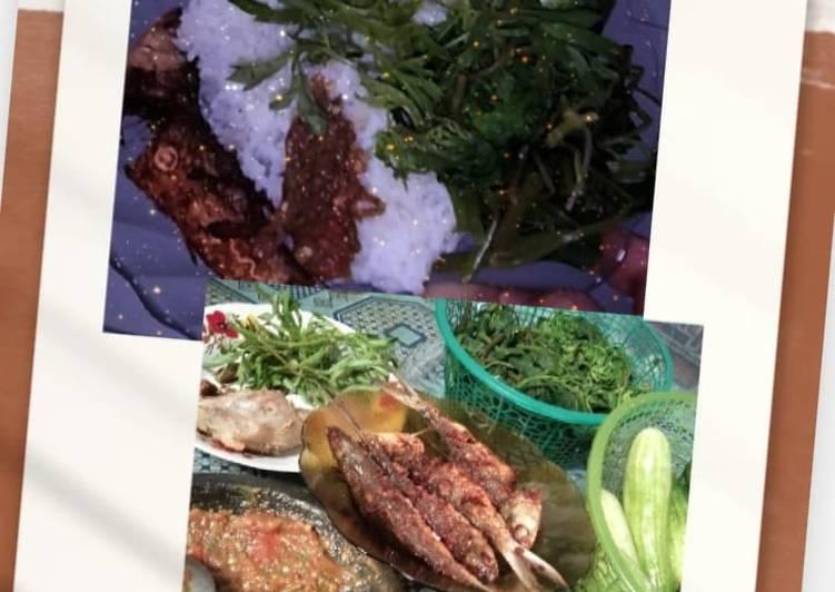 2. Ikan goreng dengan lalapan dan sambal terasi ala jeng iphone
