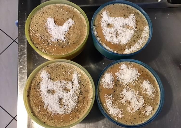 Le moyen le plus simple de Cuire Savoureux Crèmes aux œufs café noix de coco et éclats de café