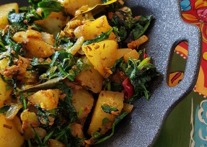 """""""Saag Aloo"""" Potato with Spinach"""