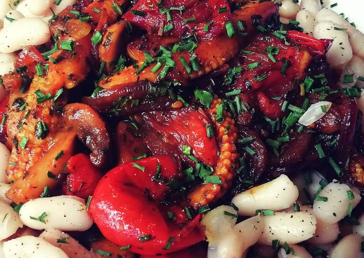 Recipe of Quick Savoury Vegetables with White Beans (Vegan)