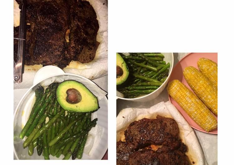 Recipe of Award-winning Tasteful steak & asparagus with avocado and corn 🤤