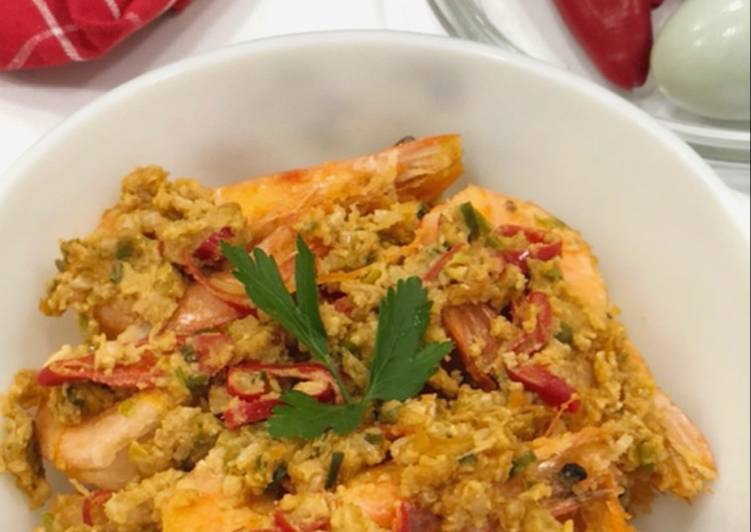 Recipe: Tasty Salted Egg Yolk Prawns