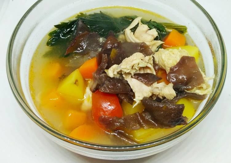 29. Sup ayam jamur kuping
