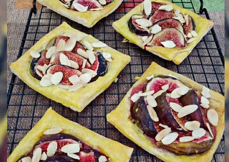 Figs Square Pastry