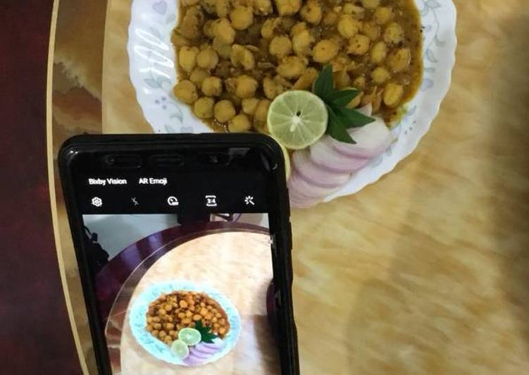 Recipe of Homemade Chickpea curry (Chhole)