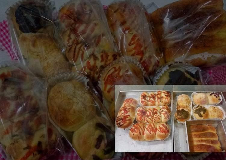 Roti isi Bakso sapi dan isi Tuna. Dengan resep roti Killer Soft Bread