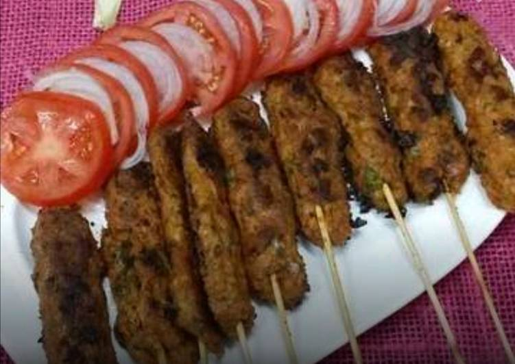 Pan Grilled Chicken Mince Seekh Kabaabs