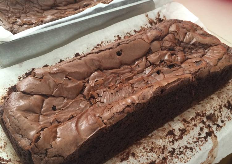Fudgy Chocolate Brownies ala Laura Vitale