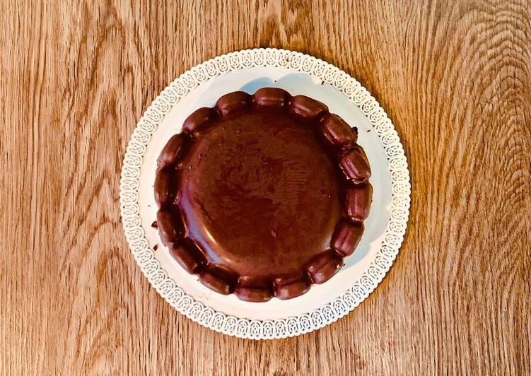 Torta di Banana, Arachidi e Avena ricoperto di Cioccolato - Gluten Free