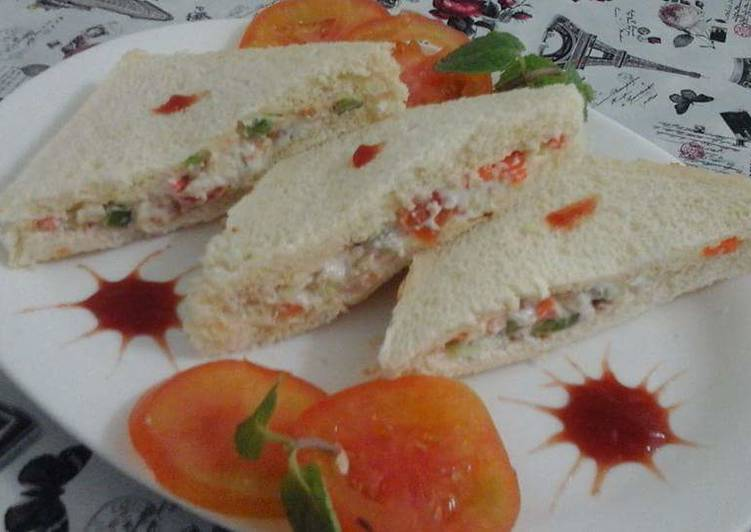 Steps to Prepare Any-night-of-the-week Veg sandwich with hang curd