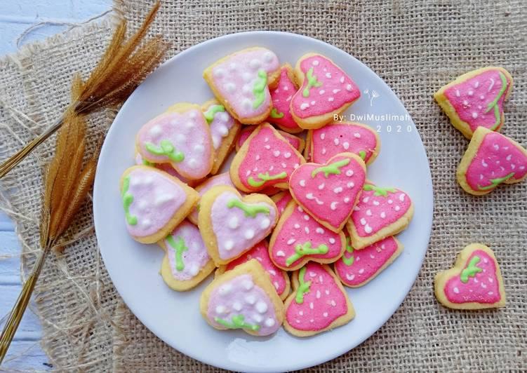 Fancy Royal Icing Cookies - cookandrecipe.com