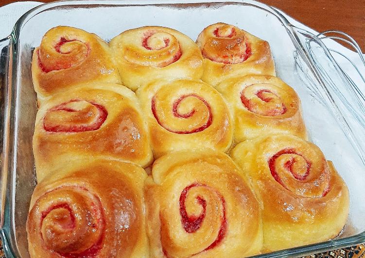Strawberry Jam Roll Bread