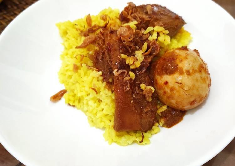 Nasi kuning Balikpapan atau Banjarmasin - cookandrecipe.com