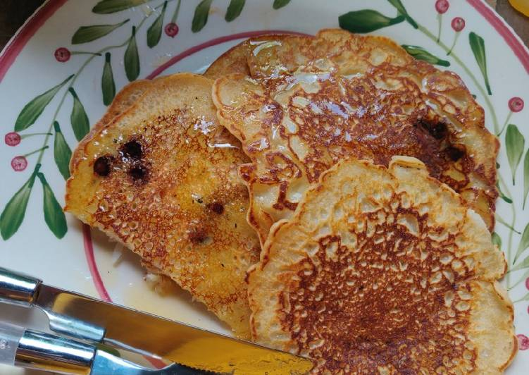 How to Make Yummy Vegan Coconut and Chocolate Chip Pancakes