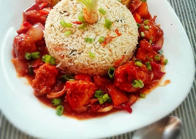 Step-by-Step Guide to Make Ultimate Chicken and Chilli Sauce with rice bowl..
