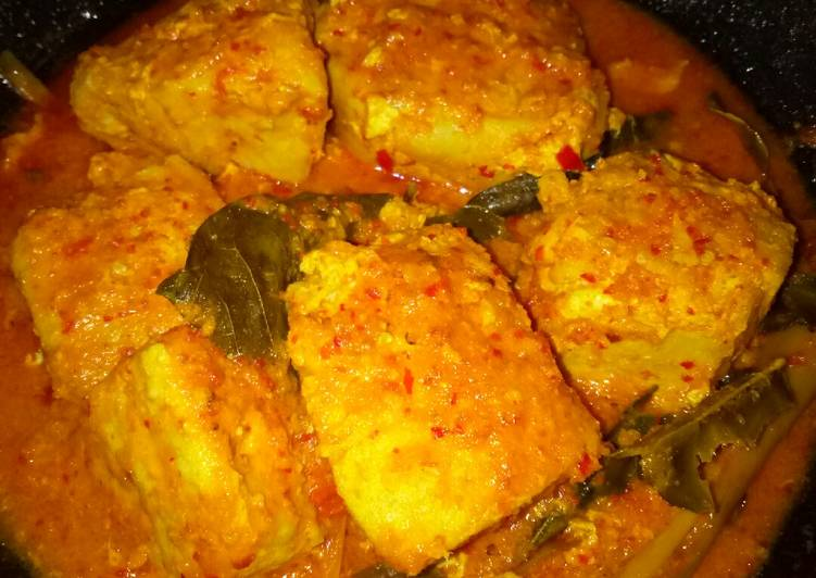 Marlin Steak Bumbu Kuning Pedas