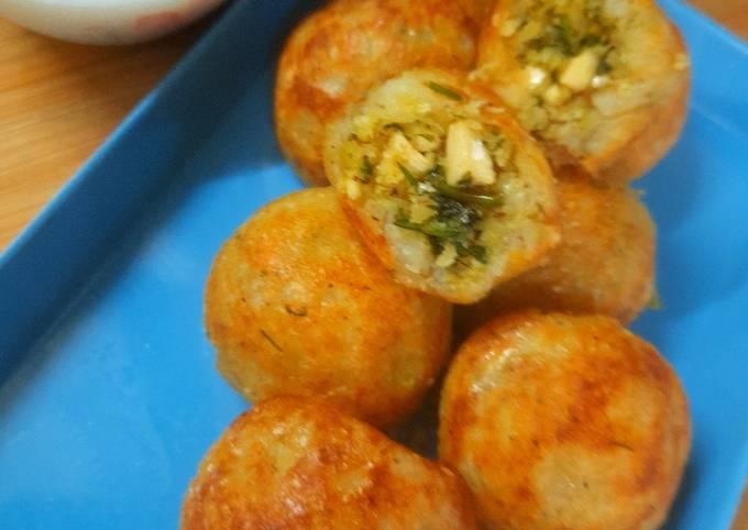 Non Fried Buff Vada (Nariyal ki kachori)