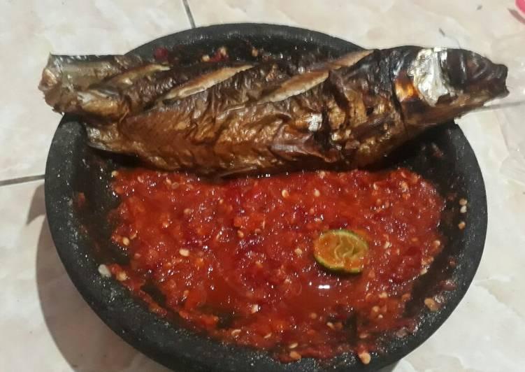 Sambal Panggang Ikan Bandeng (ikan asap)