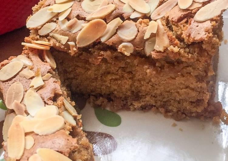 Ontbijtkoek (Traditional Dutch Slice Cake)