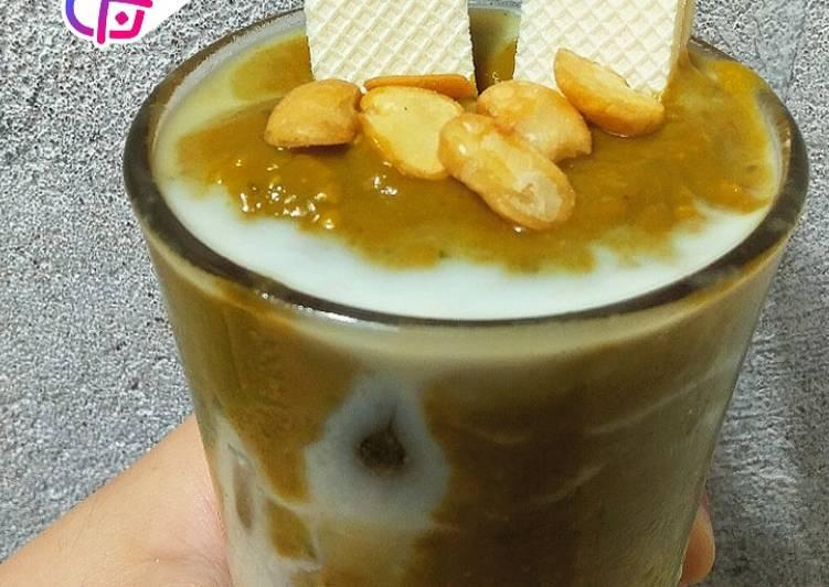 Dalgado coffee (dalgona avocado coffee)