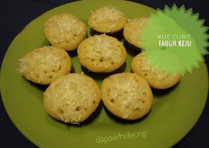 Langkah Mudah untuk Membuat Kue cubit tabur keju Anti Gagal
