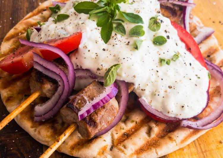 Griechisches Souvlaki in Pitabrot