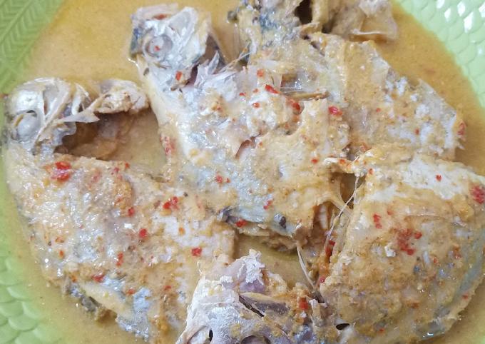Gulai Ikan Kuwe