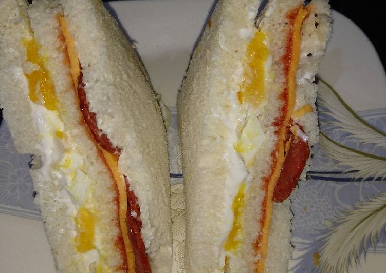 How to Make Award-winning Sandwich of pepperoni and egg