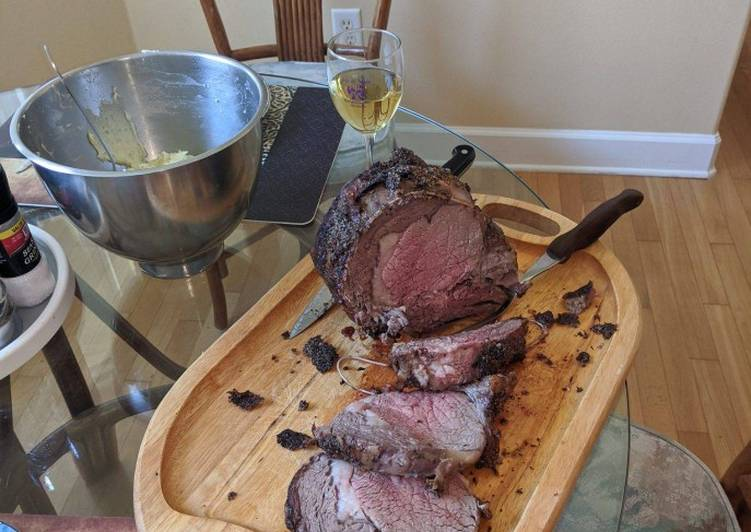Easy Recipe: Tasty Herb and garlic crusted beef rib roast