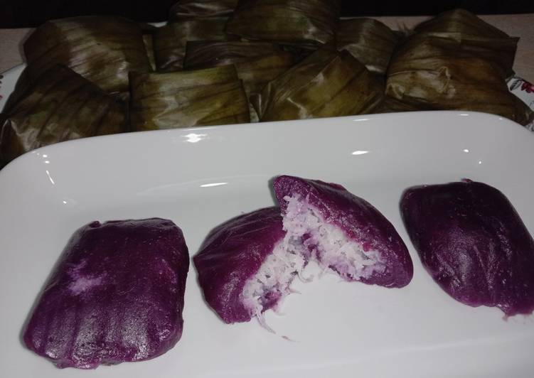Kue bugis ubi ungu