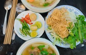 #buasangviet Bún bò, thịt chân giò, móng giò