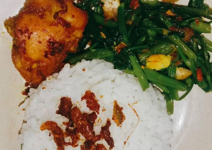 tumis kangkung pedas ayam goreng nasi putih by elsa - resepenakbgt.com