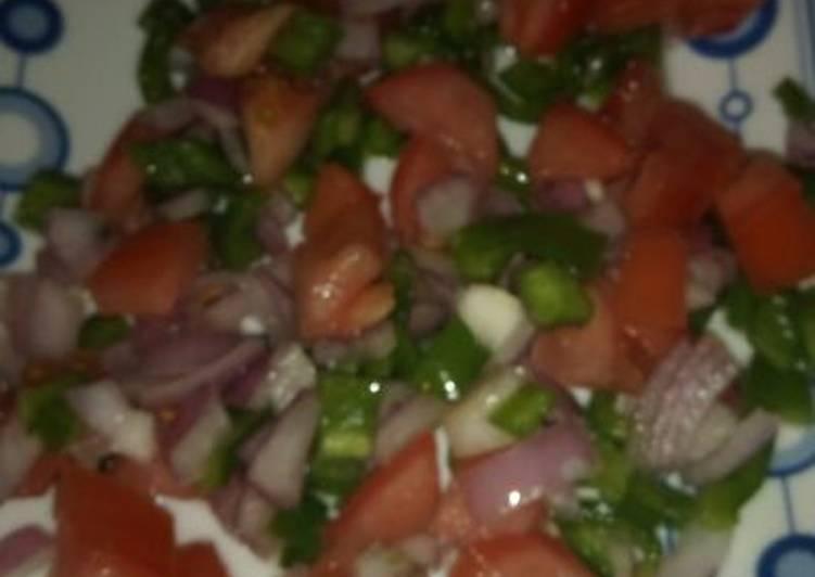 La Délicieuse Recette du Salade tomate, poivron et onion