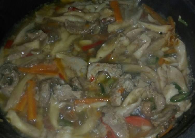 Tumis jamur daging