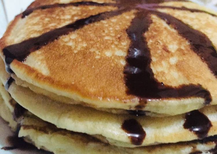 Fluffy pancakes 🥞 with chocolate glazing