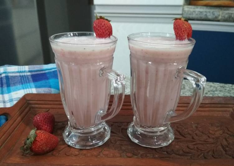 Recipe of Award-winning Strawberry -banana smoothie