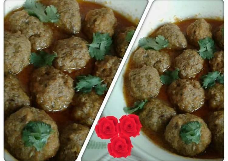 Kashmiri mutton kofta curry