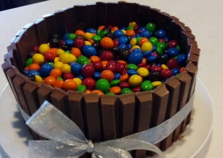 Recipe: Perfect Kit Kat Birthday Cake