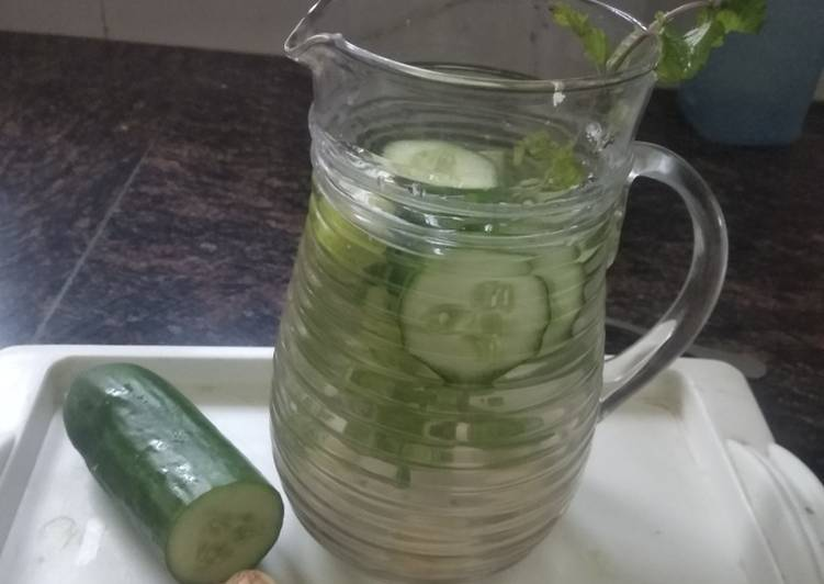 Green Detox Water