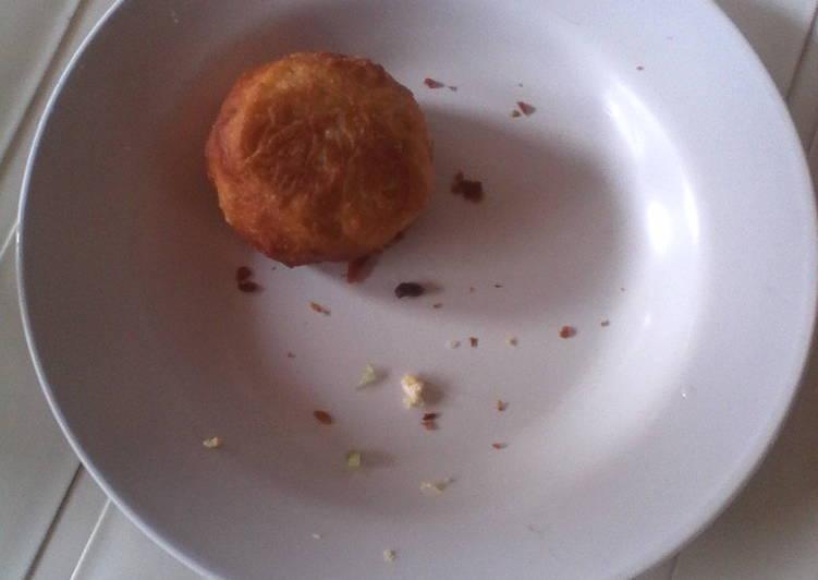 Roti goreng isi bakso