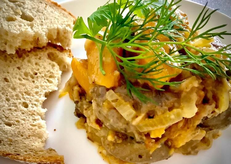 Wątróbka z kurczaka z cebulką i brzoskwiniami 🍑 główne zdjęcie przepisu