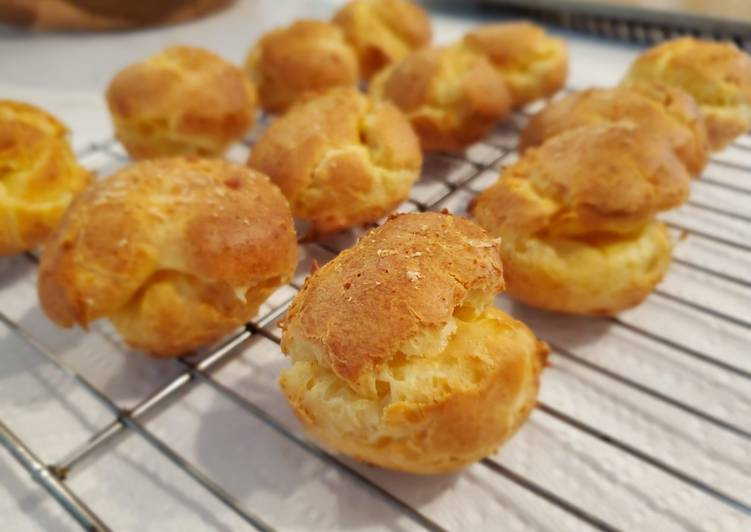 Cheese Puffs (Gougeres)